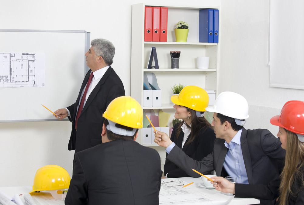 Huấn luyện an toàn trong lao động cần đảm bảo những nguyên tắc nào?