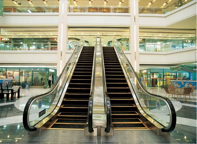 Những quy tắc sử dụng thang cuốn an toàn nhất định bạn phải biết